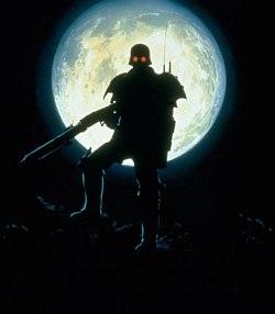 Vlk v ľudskej koži vyje na mesiac